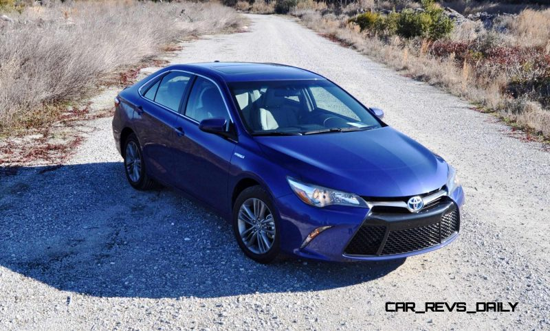2015 Toyota Camry SE Hybrid Review 60