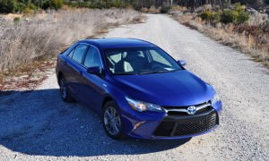 2015 Toyota Camry SE Hybrid Review 61