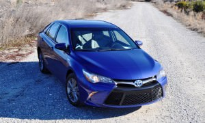 2015 Toyota Camry SE Hybrid Review 62