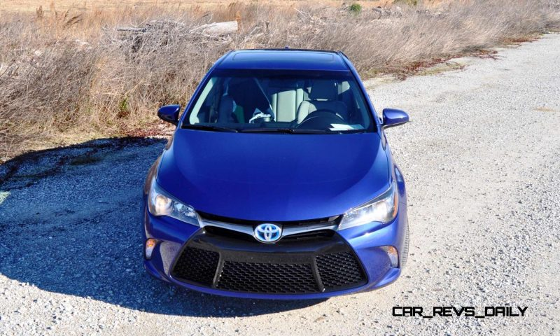 2015 Toyota Camry SE Hybrid Review 67