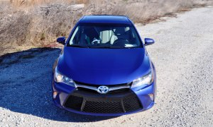 2015 Toyota Camry SE Hybrid Review 68