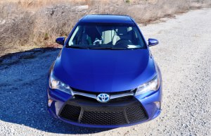 2015 Toyota Camry SE Hybrid Review 69