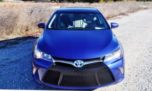 2015 Toyota Camry SE Hybrid Review 70