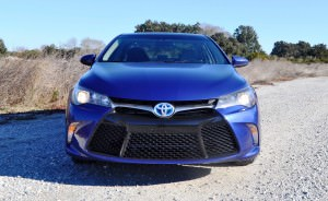 2015 Toyota Camry SE Hybrid Review 72