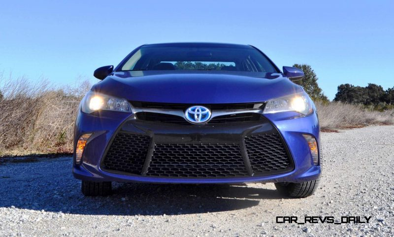 2015 Toyota Camry SE Hybrid Review 73