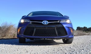2015 Toyota Camry SE Hybrid Review 74