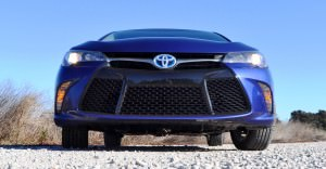 2015 Toyota Camry SE Hybrid Review 77