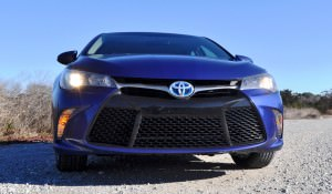 2015 Toyota Camry SE Hybrid Review 79