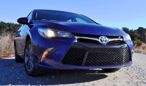 2015 Toyota Camry SE Hybrid Review 81