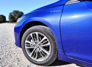 2015 Toyota Camry SE Hybrid Review 83