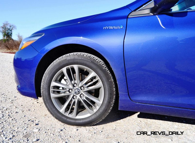 2015 Toyota Camry SE Hybrid Review 85