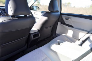 2015 Toyota Camry SE Hybrid Review 92