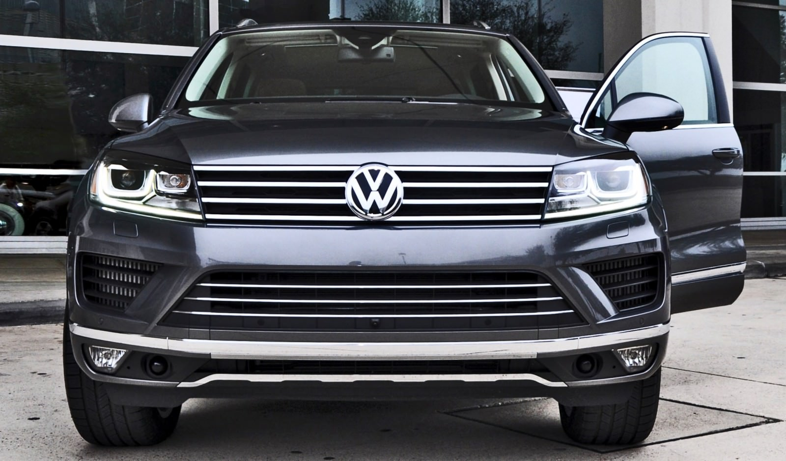 2015 Volkswagen Touareg TDI 29