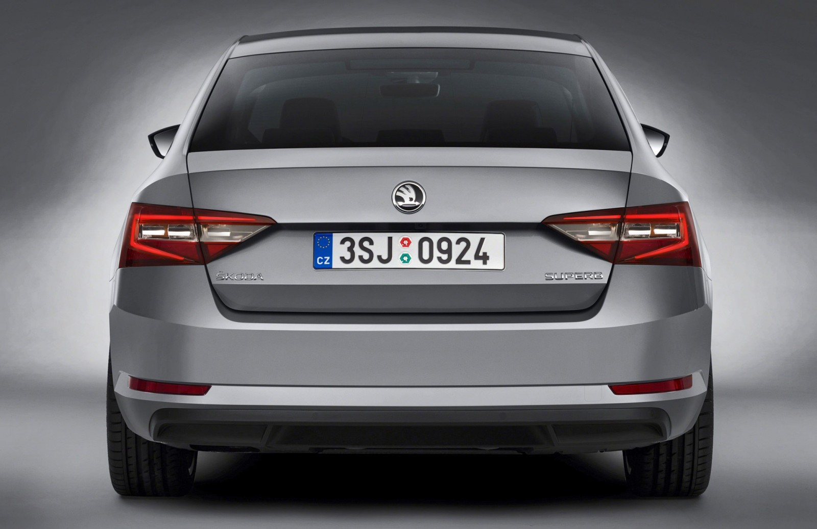 2016 Skoda Superb 7 copy