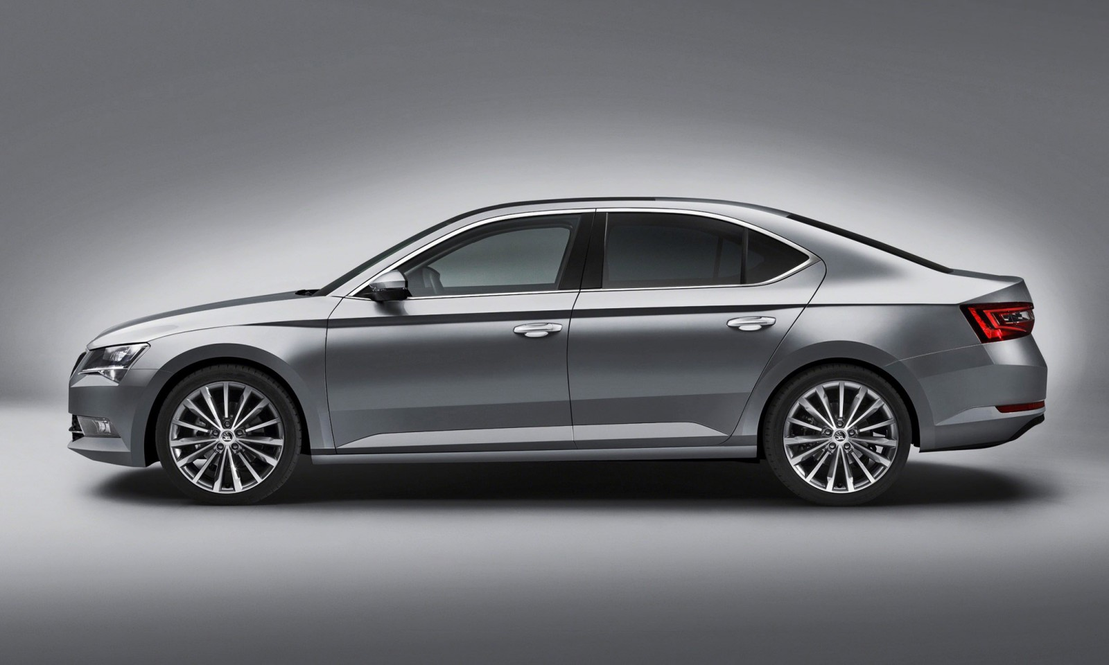 2016 Skoda Superb 8 copy