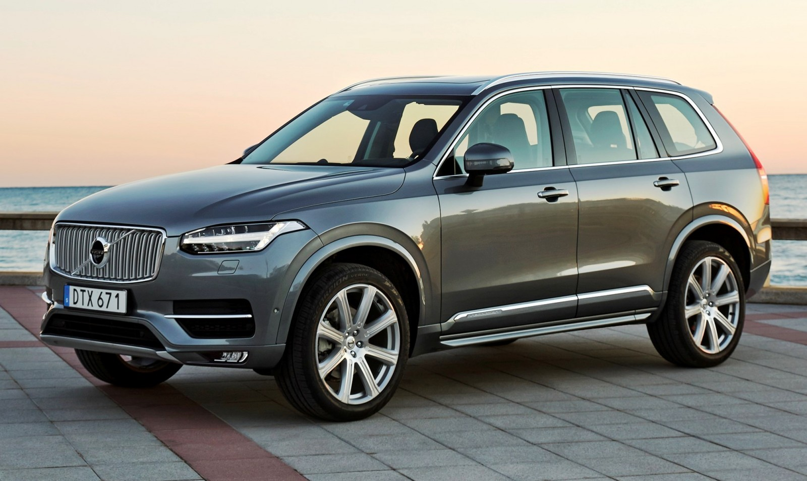 2016 volvo xc90. Black Bedroom Furniture Sets. Home Design Ideas