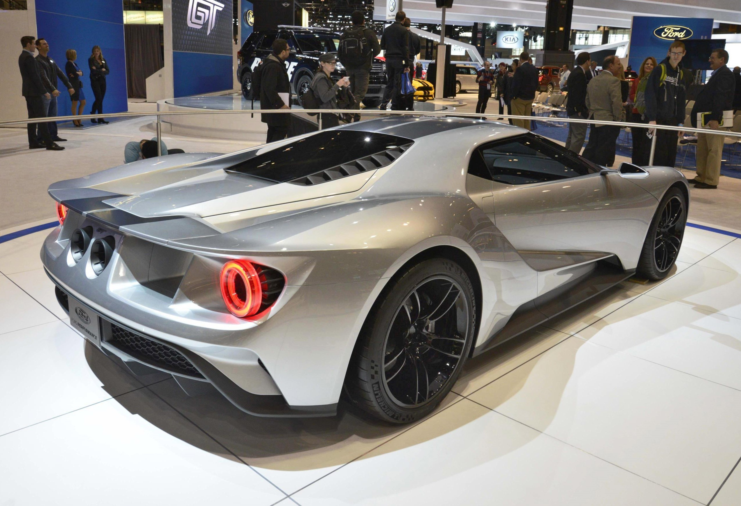 2017 Ford Gt In Liquid Silver