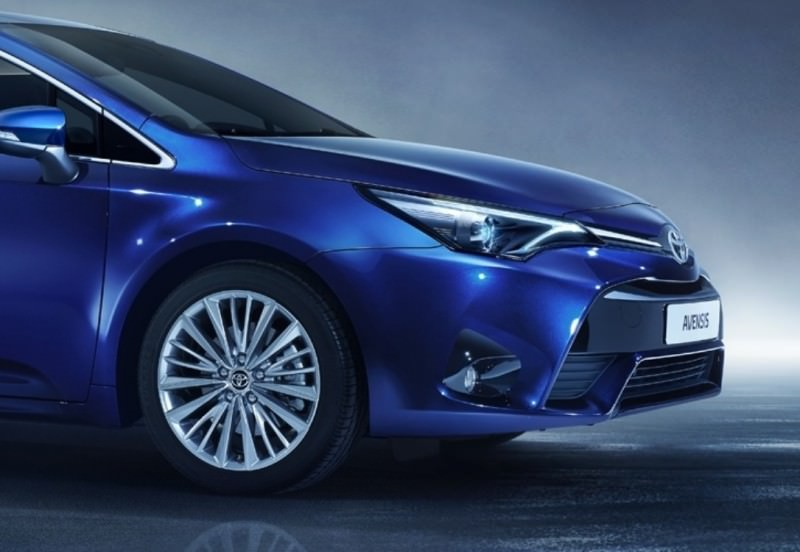 AVENSIS_STUDIO_08_DPL_2015_7-8_BLUE-2 - Copy