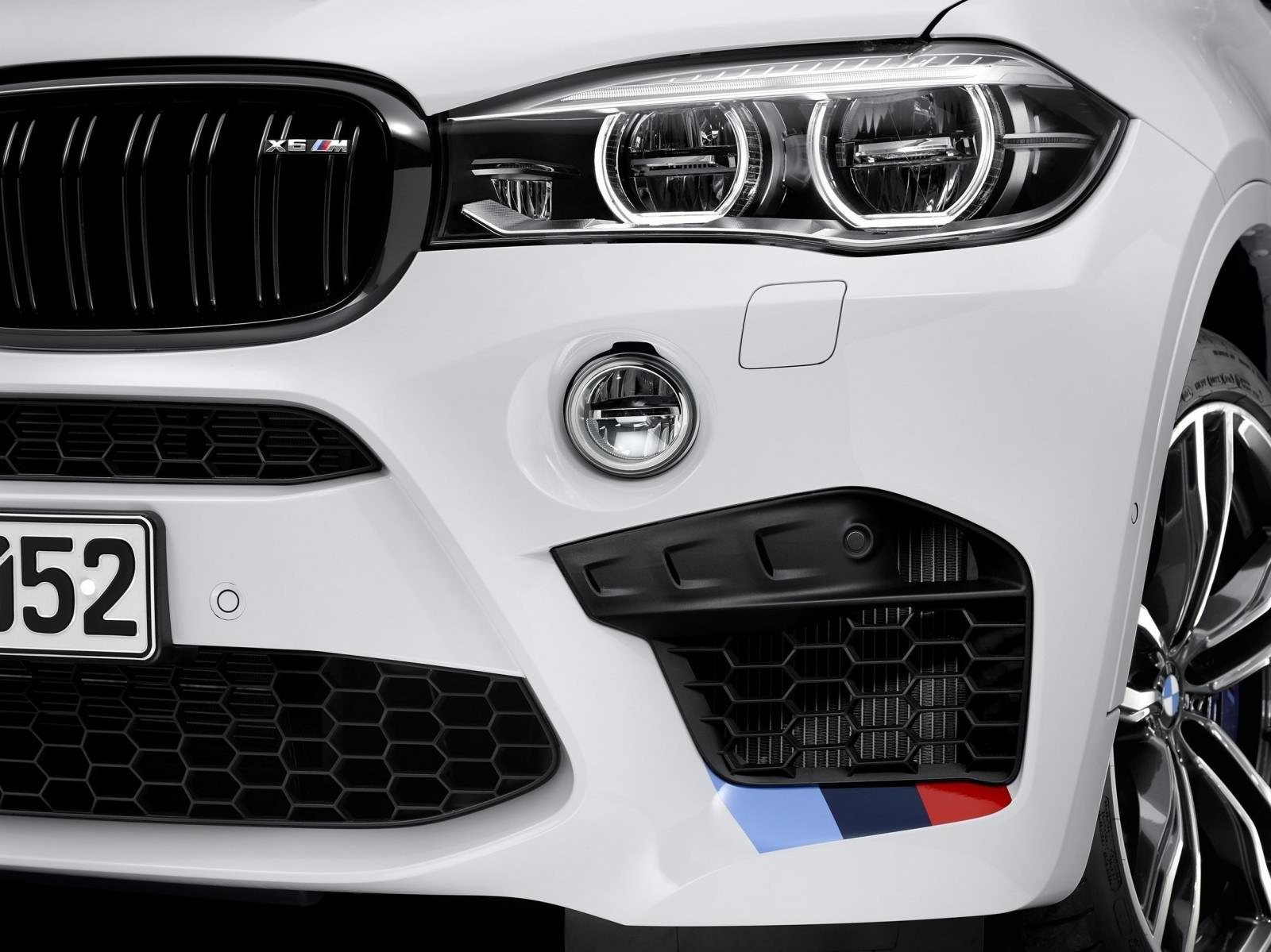 BMW M Performance Parts for 2015 X5M and X6M 13