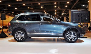 First Drive Review - 2015 Volkswagen Touareg TDI Feels Light, Quick and Lux 11
