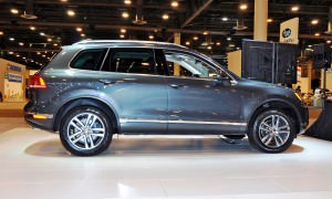 First Drive Review - 2015 Volkswagen Touareg TDI Feels Light, Quick and Lux 8