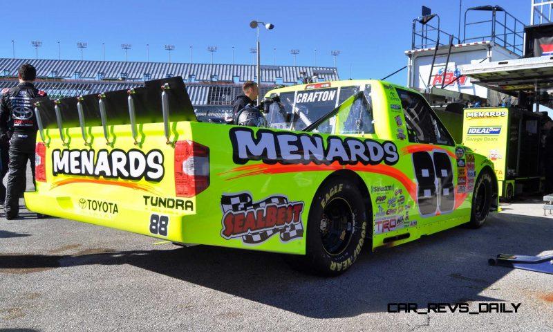 NASCAR Truck Series 2015 Toyota Tundra 24