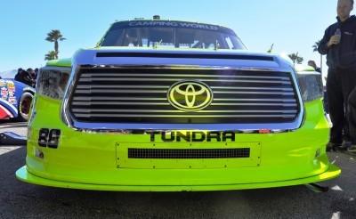 NASCAR Truck Series 2015 Toyota Tundra 28