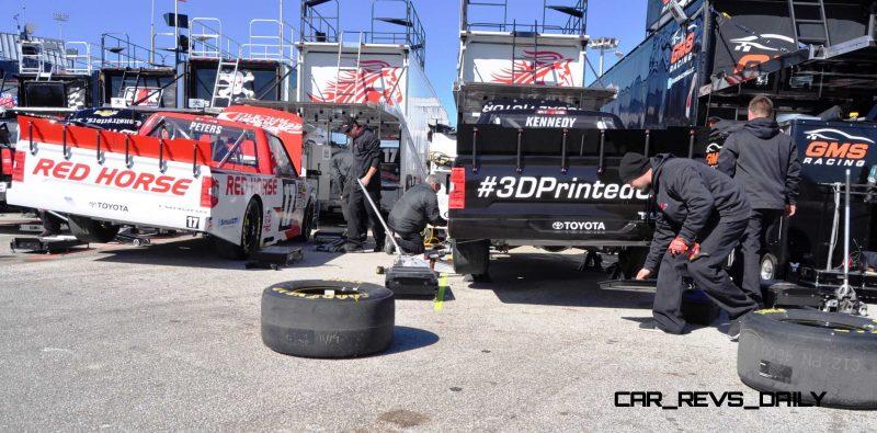 NASCAR Truck Series 2015 Toyota Tundra 3