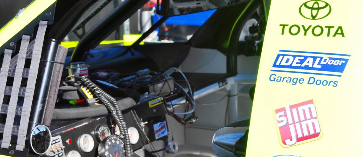 NASCAR Truck Series 2015 Toyota Tundra 30