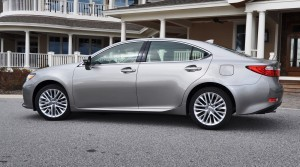 Road Test Review - 2015 Lexus ES350 42