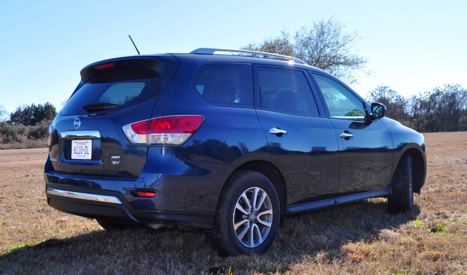 Road Test Review - 2015 Nissan Pathfinder SV 4WD 105