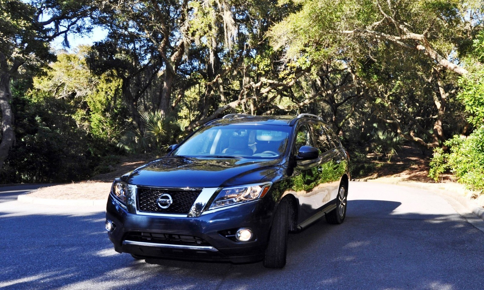 Road Test Review - 2015 Nissan Pathfinder SV 4WD 120