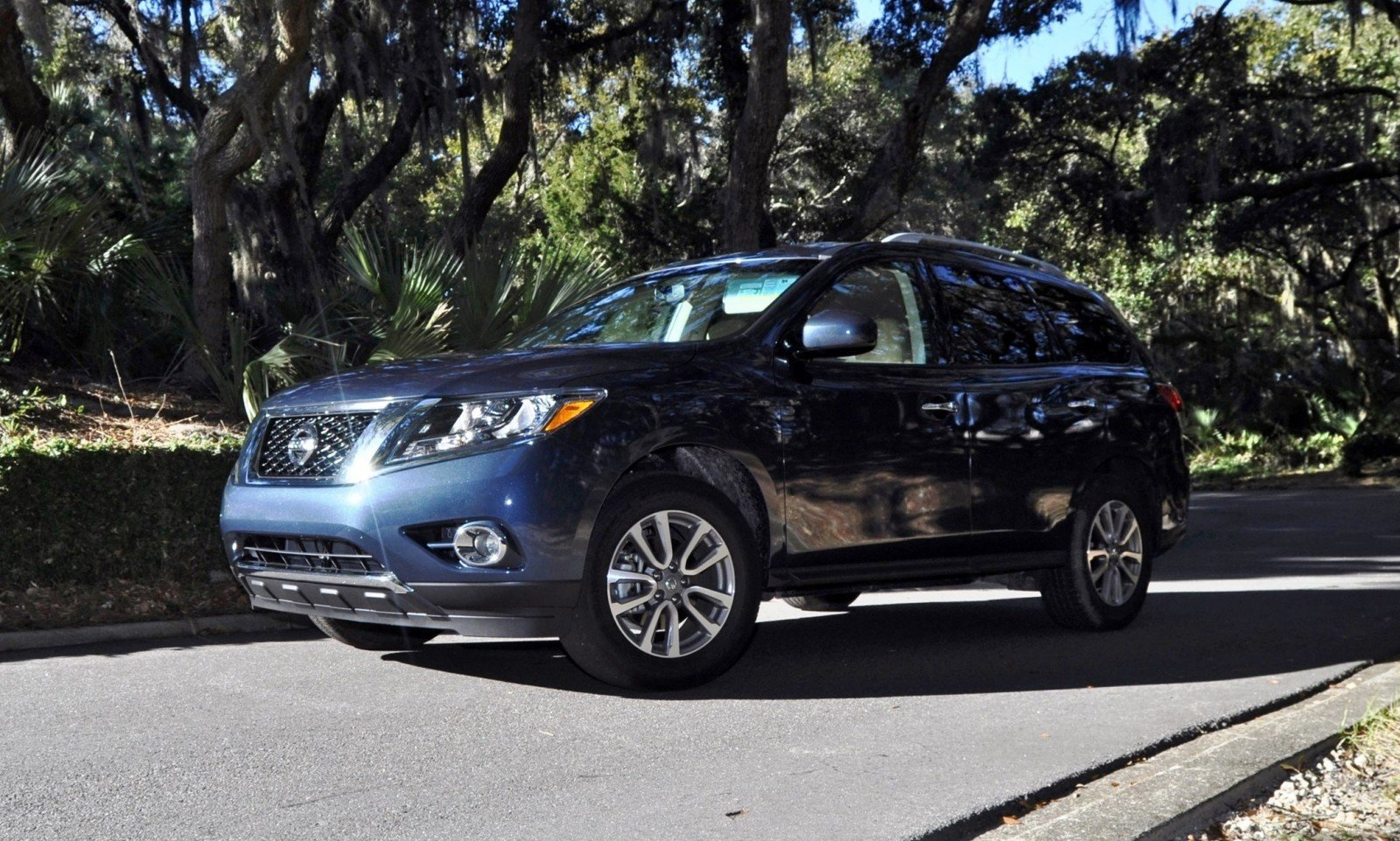 Road Test Review - 2015 Nissan Pathfinder SV 4WD 165
