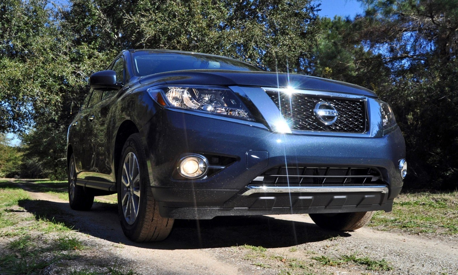Road Test Review - 2015 Nissan Pathfinder SV 4WD 17