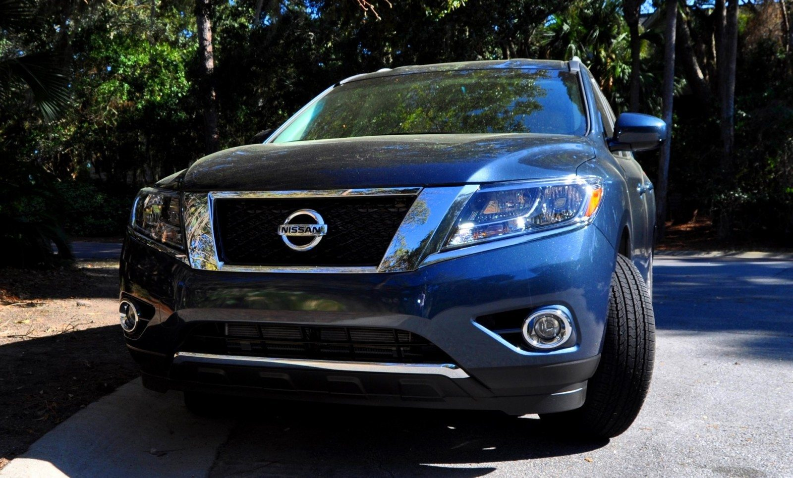 Road Test Review - 2015 Nissan Pathfinder SV 4WD 2