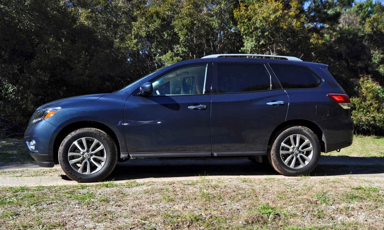 Road Test Review - 2015 Nissan Pathfinder SV 4WD 27