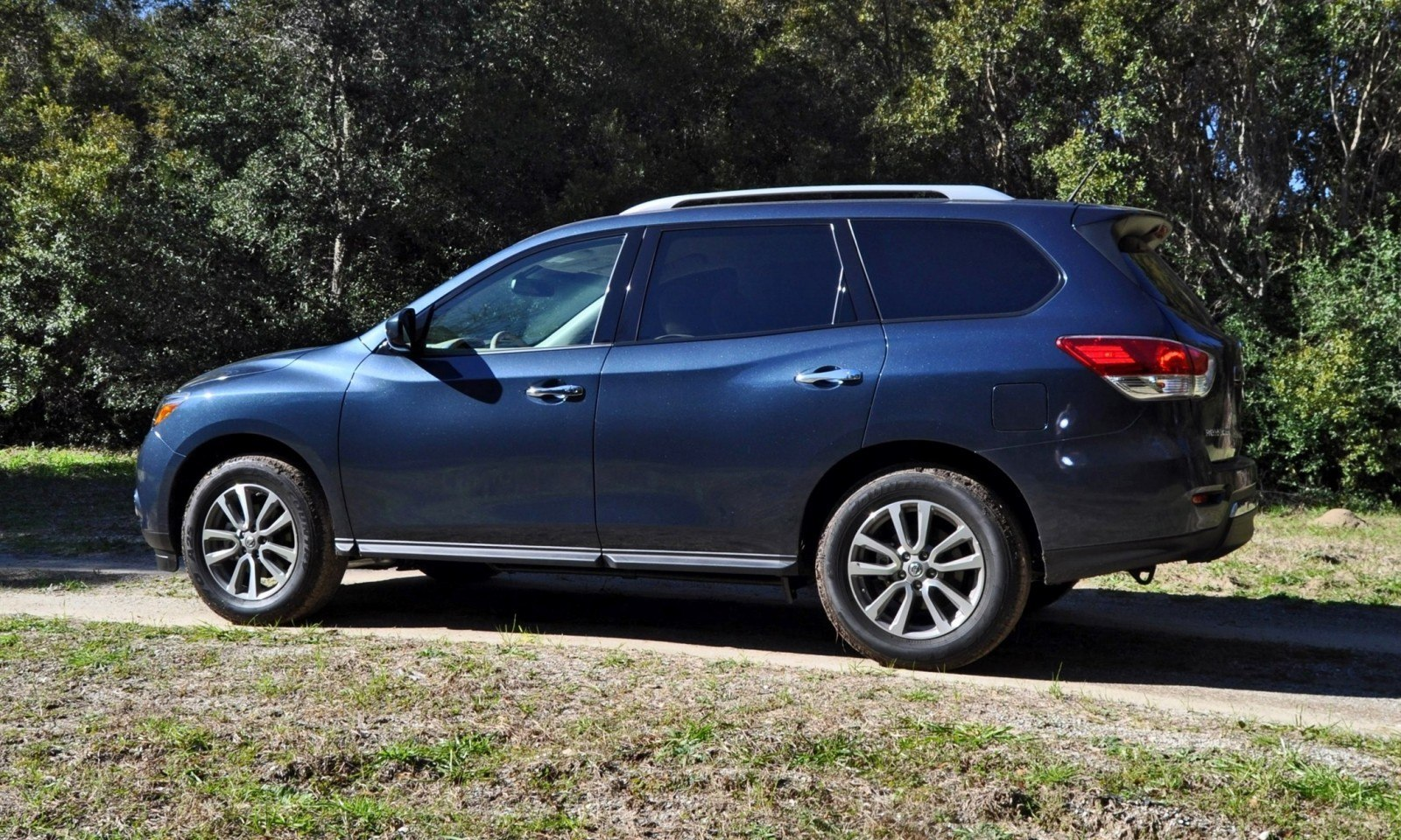 Road Test Review - 2015 Nissan Pathfinder SV 4WD 29