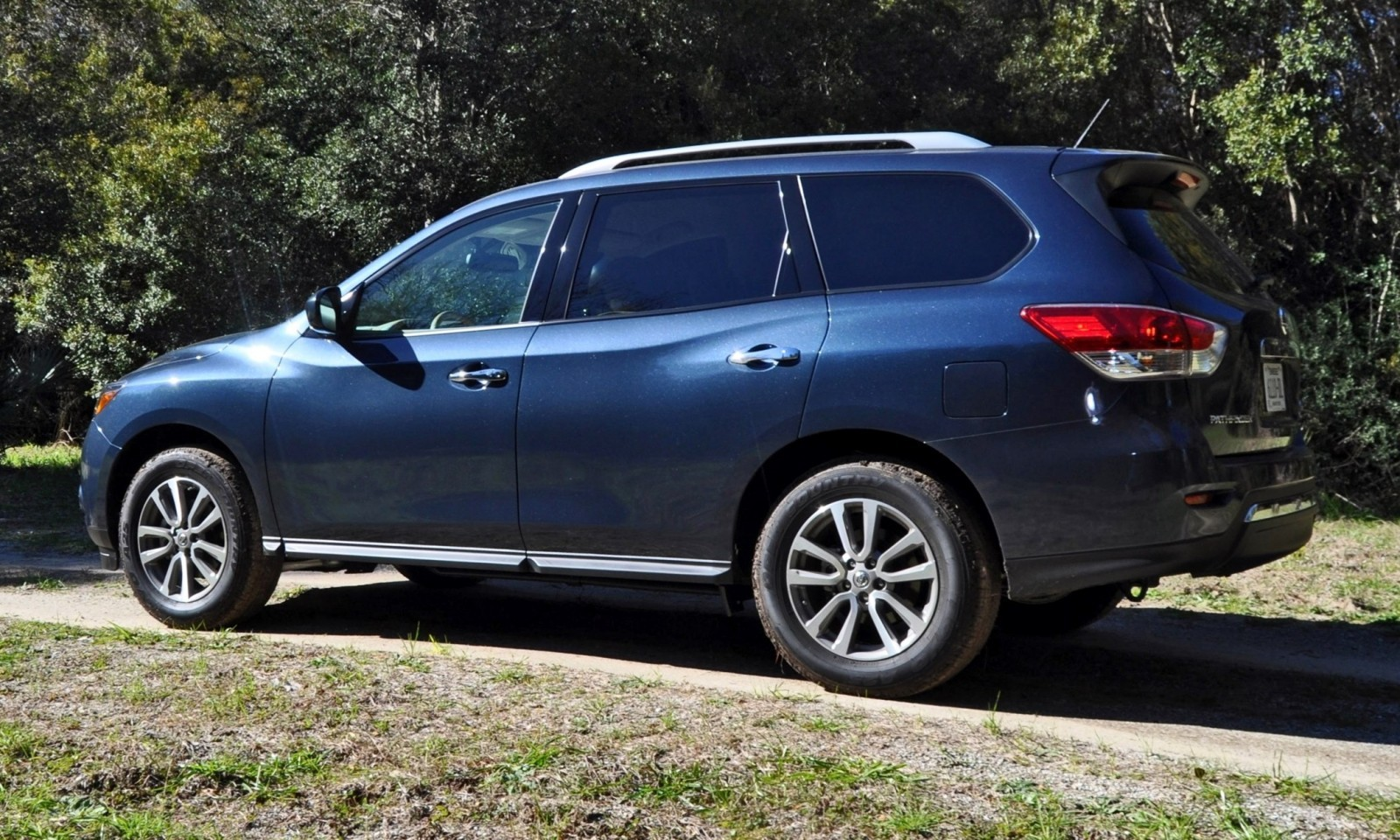 Road Test Review - 2015 Nissan Pathfinder SV 4WD 30