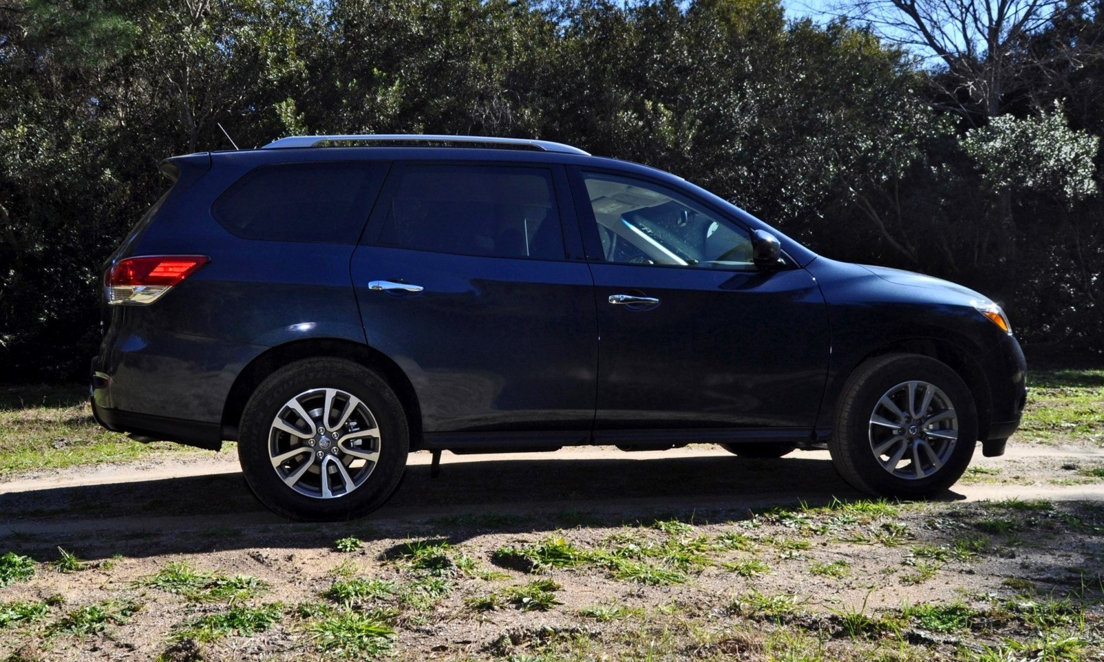 Road Test Review - 2015 Nissan Pathfinder SV 4WD 46