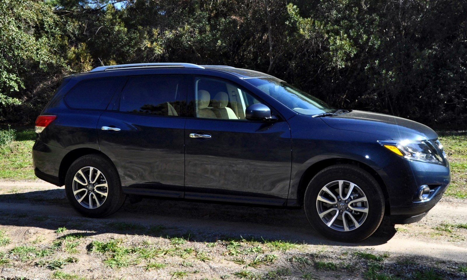 Road Test Review - 2015 Nissan Pathfinder SV 4WD 48