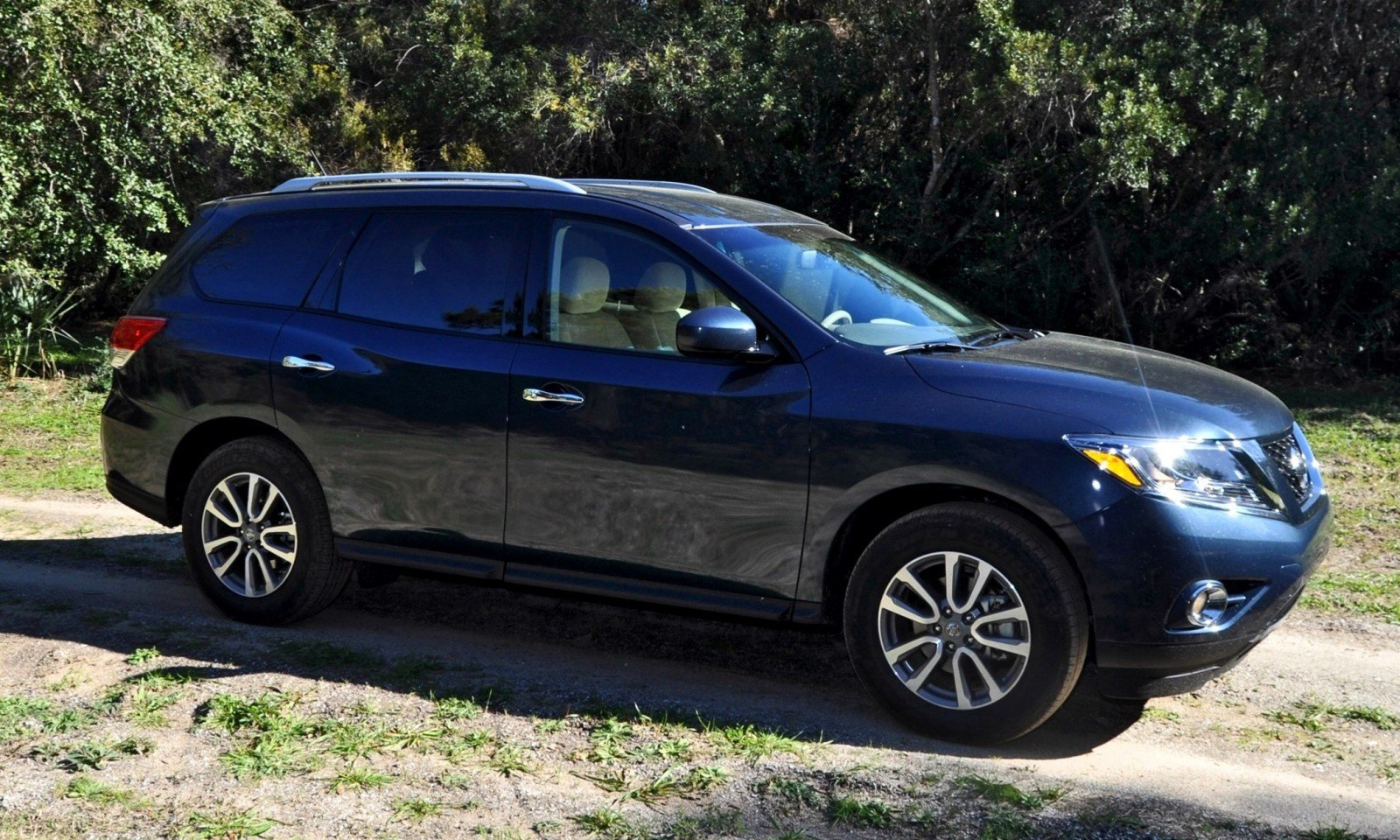 Road Test Review - 2015 Nissan Pathfinder SV 4WD 49