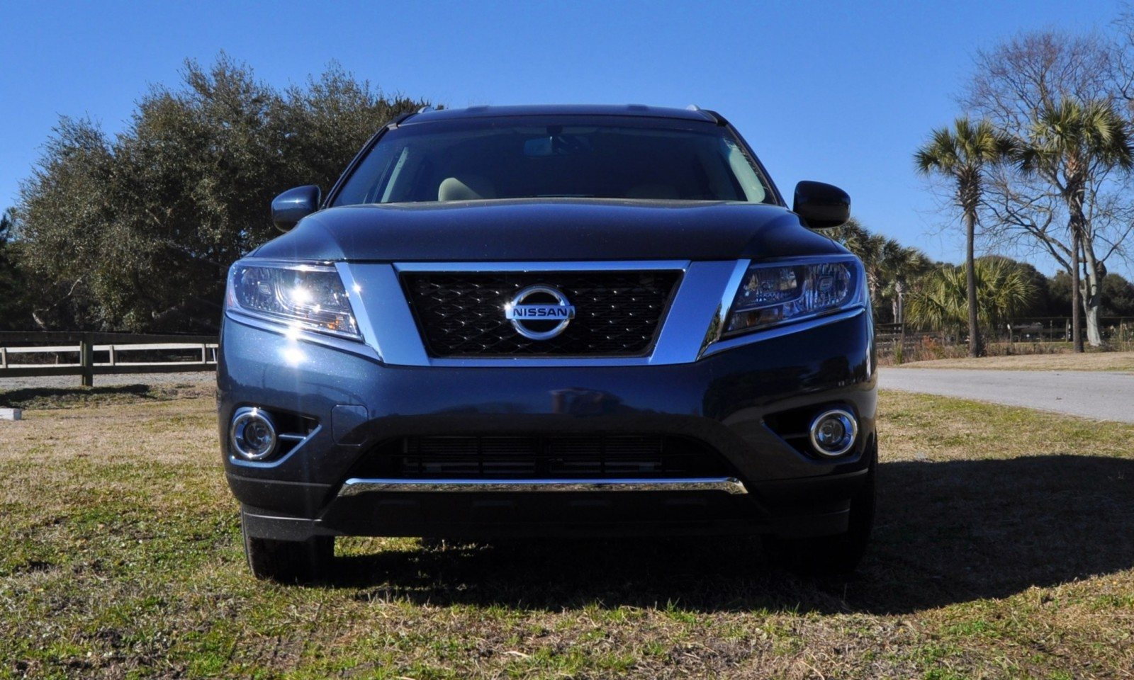 Road Test Review - 2015 Nissan Pathfinder SV 4WD 5