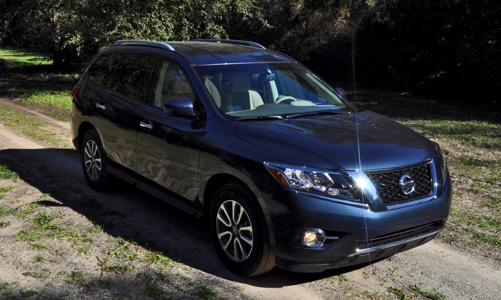 Road Test Review - 2015 Nissan Pathfinder SV 4WD 51