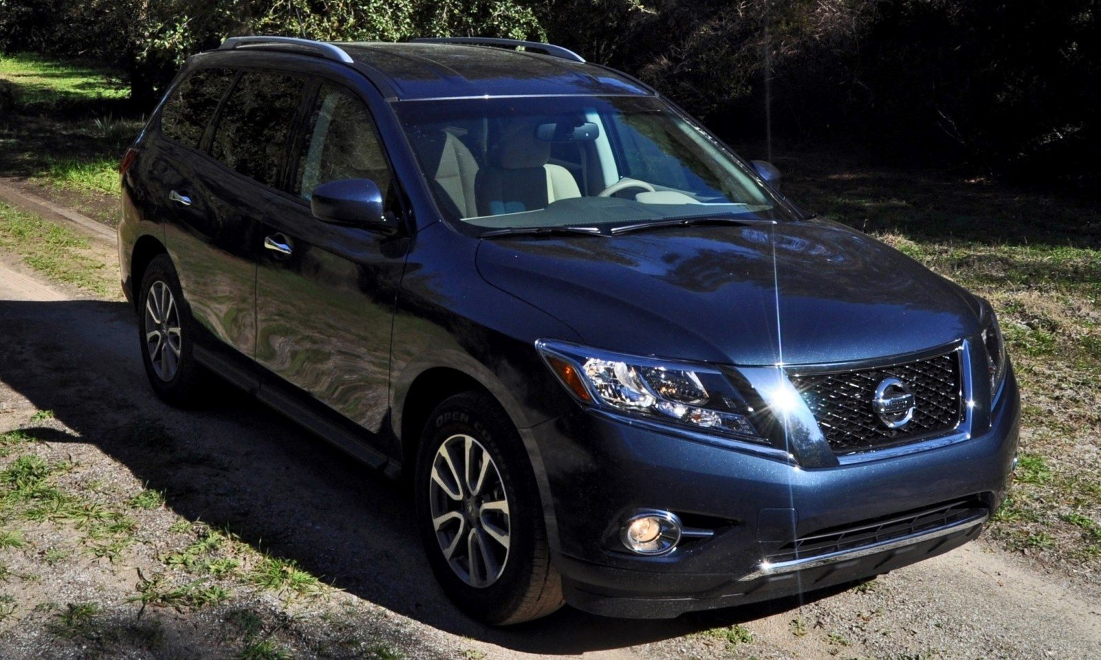 Road Test Review - 2015 Nissan Pathfinder SV 4WD 52