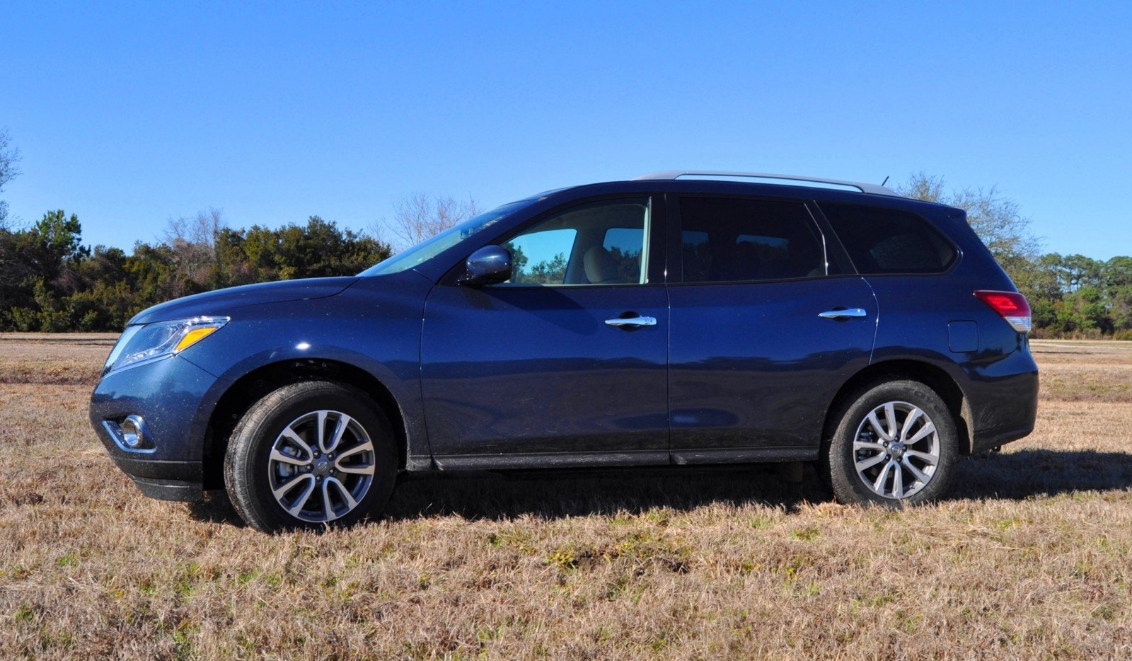 Road Test Review - 2015 Nissan Pathfinder SV 4WD 91