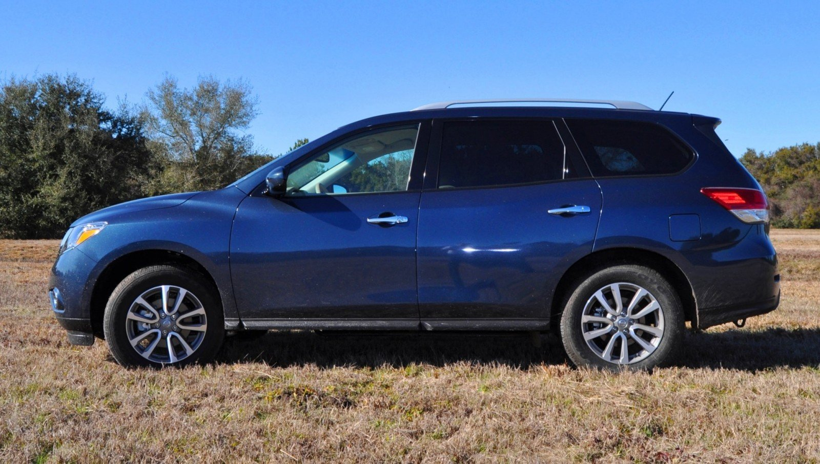 Road Test Review - 2015 Nissan Pathfinder SV 4WD 94