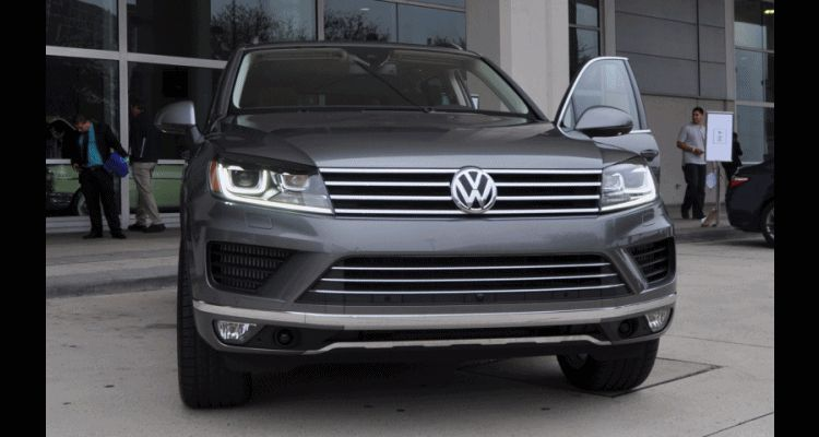 Road Test Review - 2015 Volkswagen Touareg TDI Feels Light, Quick and Lux