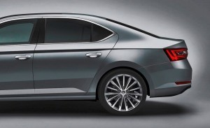 skoda_superb_side_p1_fin - Copy copy