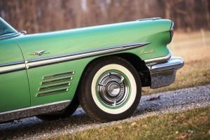 1958 Pontiac Bonneville Sport Coupe 10
