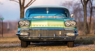 1958 Pontiac Bonneville Sport Coupe 12